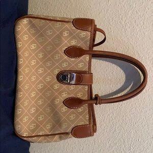 I'm selling a Dooney & Bourke purse